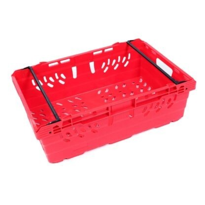 A single MultiNest 190 plastic crate in red
